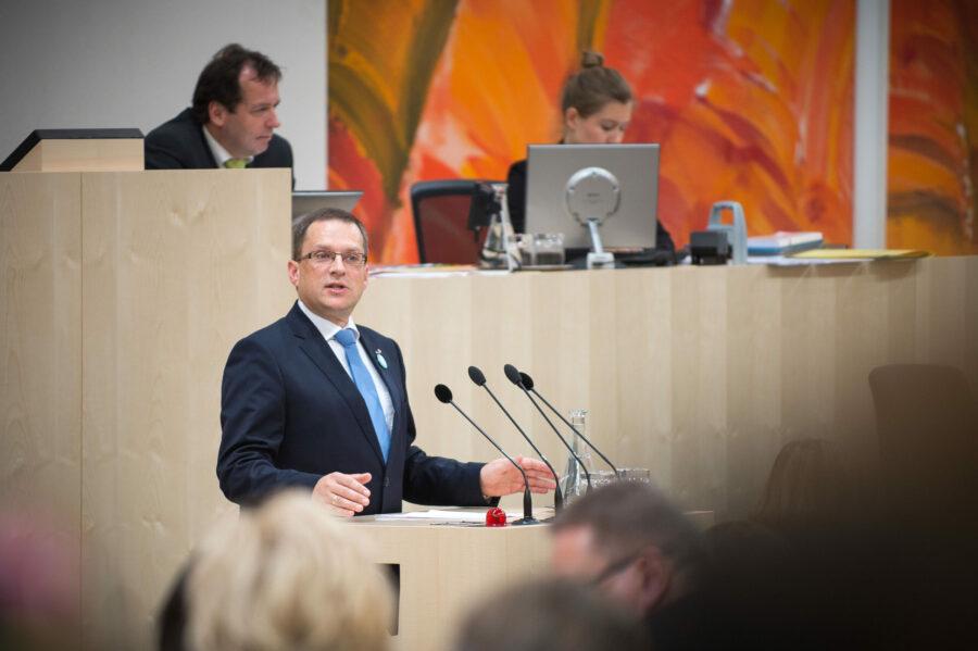 Einkommen sichern: August Wöginger, ÖVP-Klubobmann und Sozialsprecher; Foto: Parlament