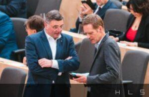 Abg. Krainer und Leichtfried (SP): Mediale Theorie am Handy?