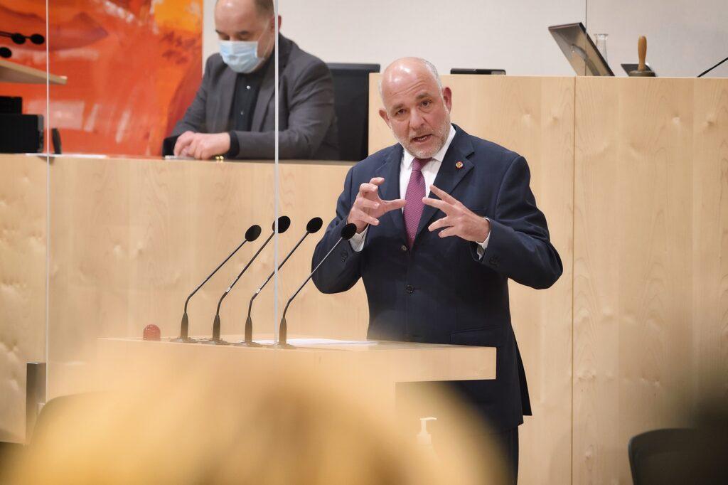 Nationalratsabgeordneter Martin Engelberg