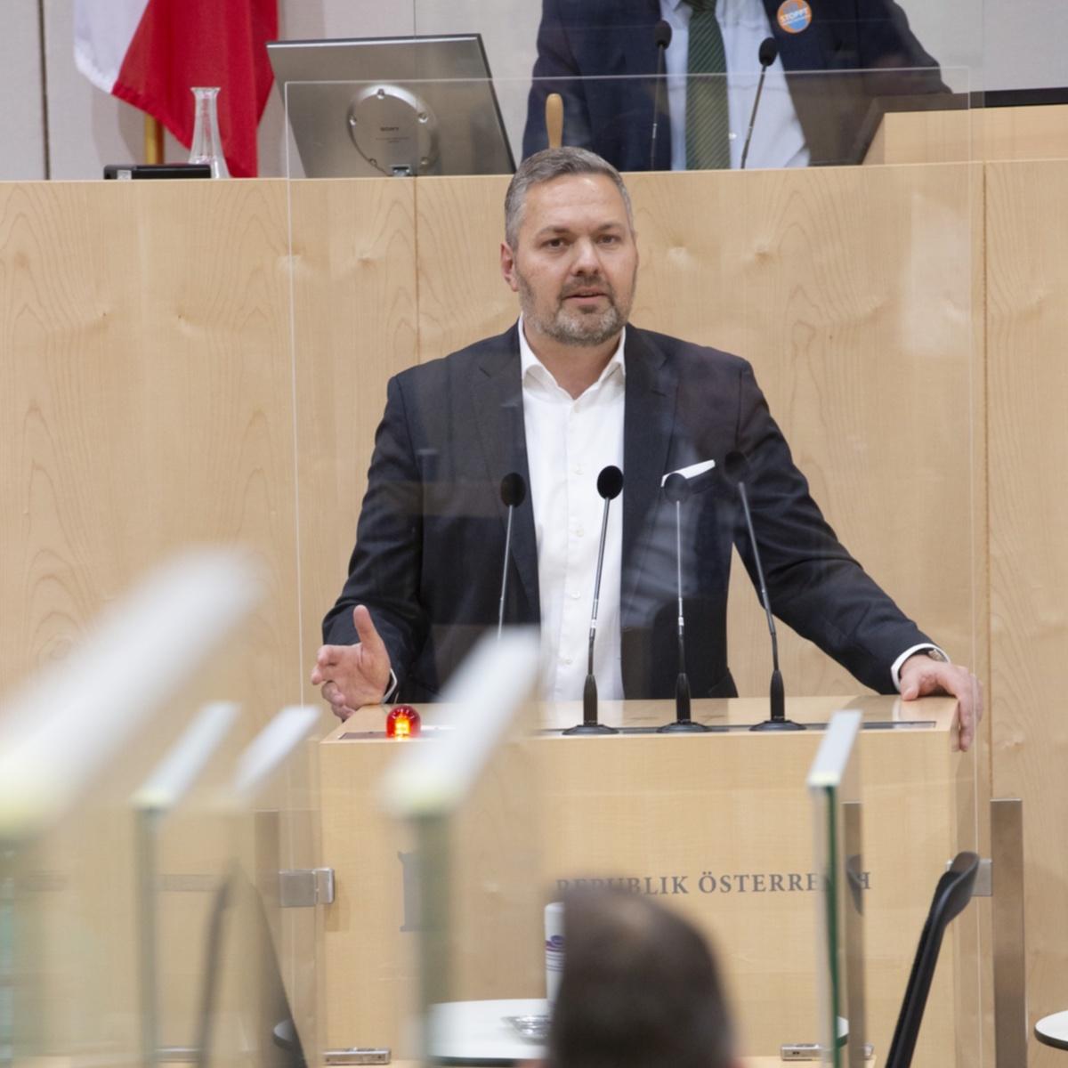 AxFür Axel Melchior (ÖVP) liegt es in der Verantwortung aller Parteien, sich für Pressefreiheit einzusetzen. Foto: Parlamentsdirektion / Ulrike Wieser