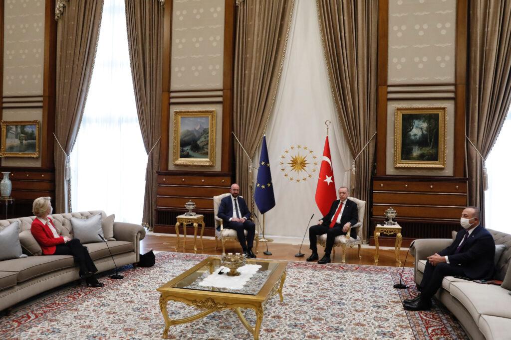 Ungewöhnliche Sitzordnung in Ankara. Foto: European Union