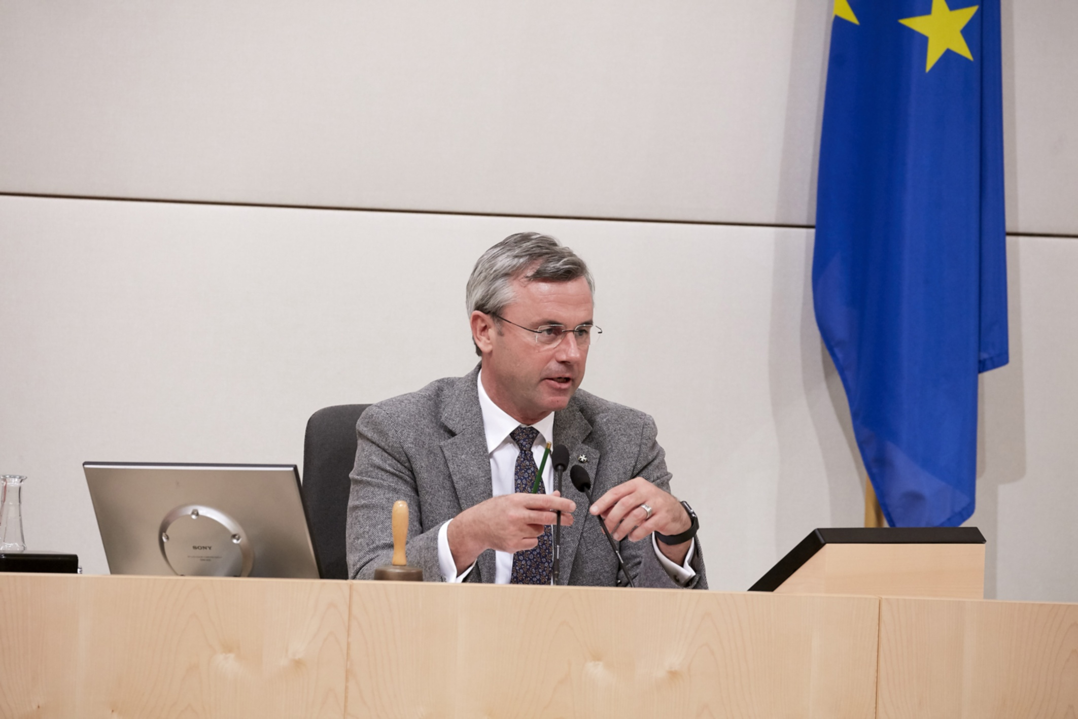 Norbert Hofer (FPÖ) forderte zur Einhaltung der Maskenpflicht auf, machte aber kurz darauf einen Rückzieher. Foto: Parlamentsdirektion / Thomas TopfFoto: Parlamentsdirektion / Thomas Topf