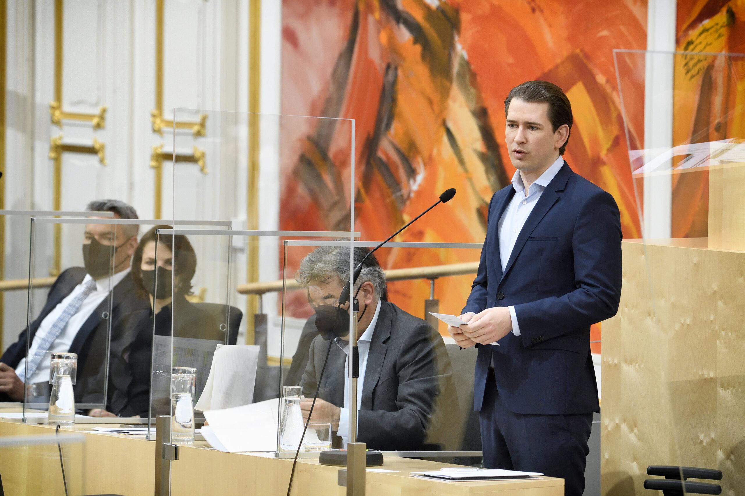 Sebastian Kurz warnt im Nationalrat vor Verstaatlichungsplänen um MAN. Foto: Parlamentsdirektion / Johannes Zinner