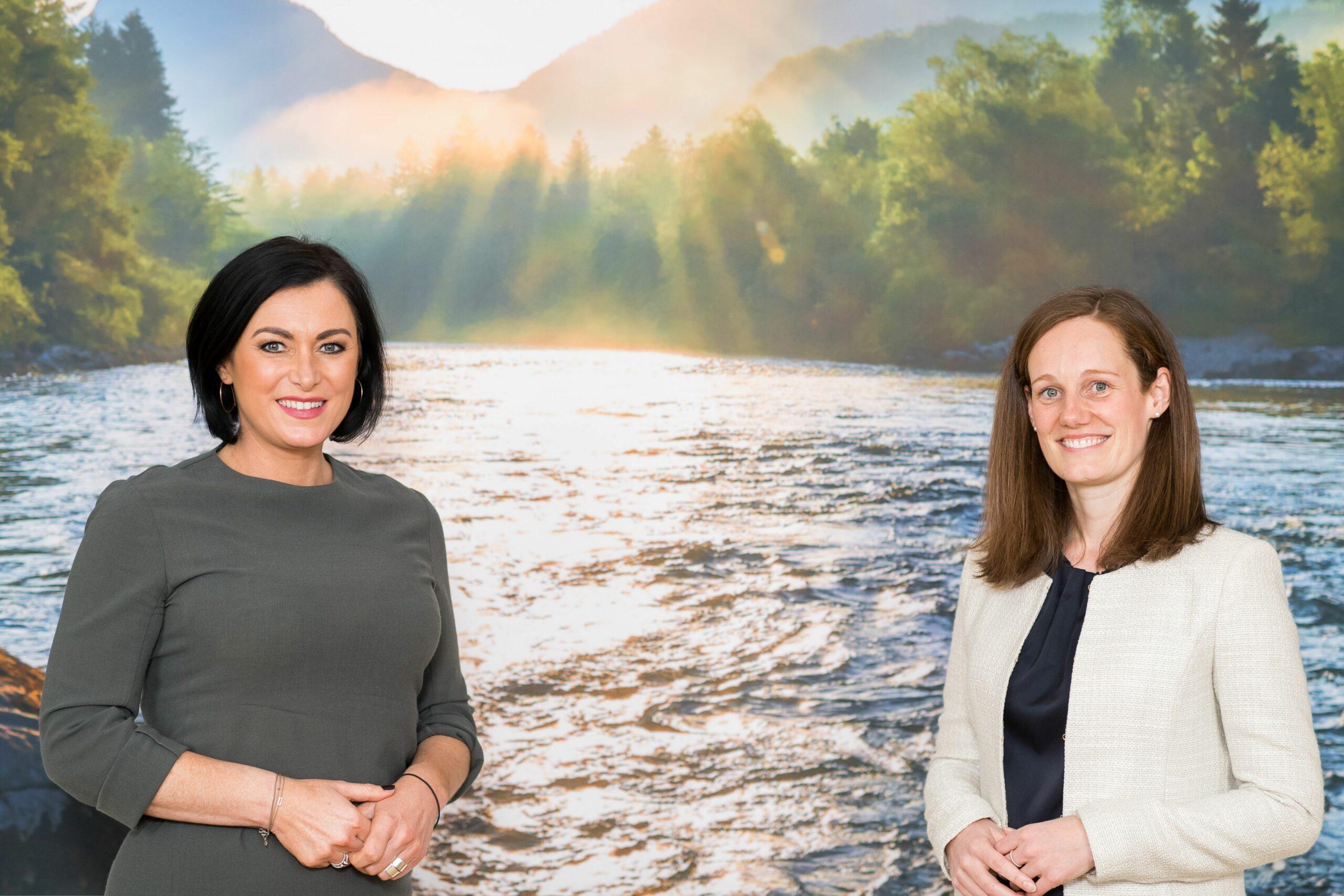 Tourismusministerin Elisabeth Köstinger und die neue Geschäftsführerin der Österreich Werbung, Lisa Weddig. Foto: BMLRT