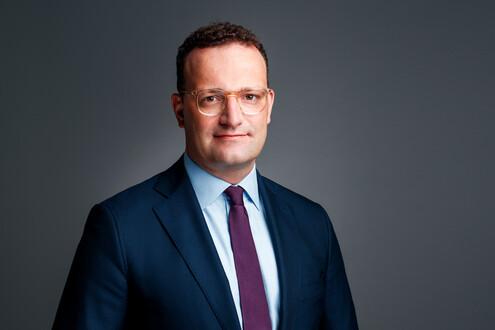 DEr deutsche Gesundheitsminister Jens Spahn setzt sich für einen bilateralen Vertrag zum Ankauf von Sputnik V für Deutschland ein. Foto: BMG