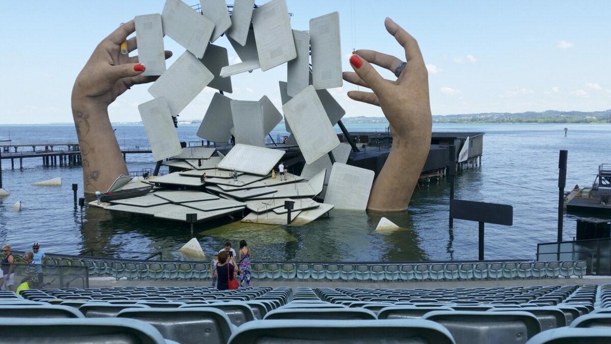 Au der Seebühne in Bregens werden bald wieder Veranstaltungen stattfinden können. Foto: iStock/ zenaphoto