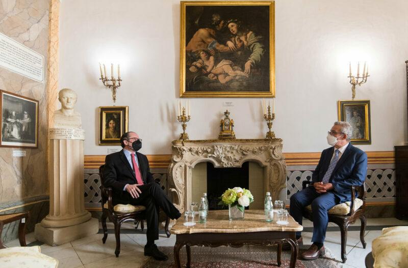 Alexander Schallenberg im Gespräch mit seinem maltesischen Amtskollegen. Foto: BMEIA