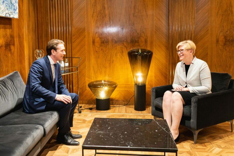 Sebastian Kurz im Gespräch mit der litauischen Ministerpräsidentin Ingrida Šimonytė. Foto: BKA/ Florian Schrötter