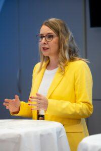 Neue Technologien steigern Produktivität: Digitalisierungs-Ministerin Margarete Schramböck. Foto: BMDW