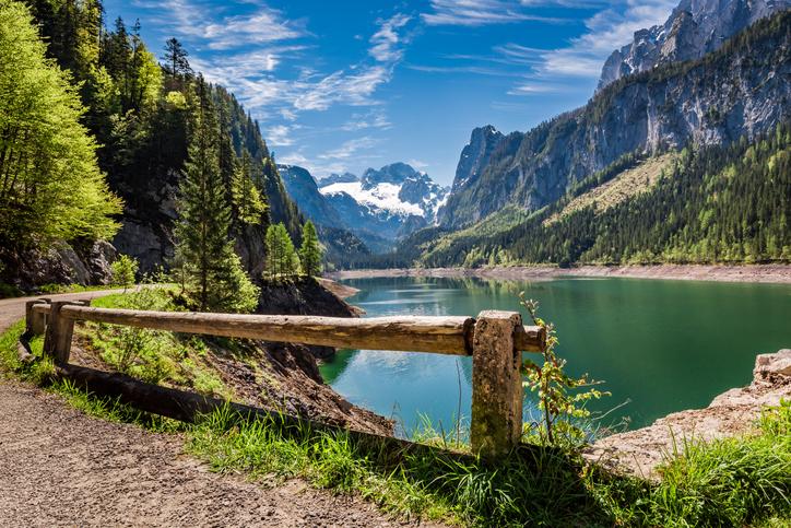 Österreich erhalten: Gosausee in Gosau; Foto: iStock/Shaiith