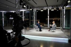 ORF-Sommergespräch am 23. August 2021: FPÖ-Obmann Herbert Kickl bei Lou Lorenz-Dittlbacher; Foto: ORF/Roman Zach-Kiesling