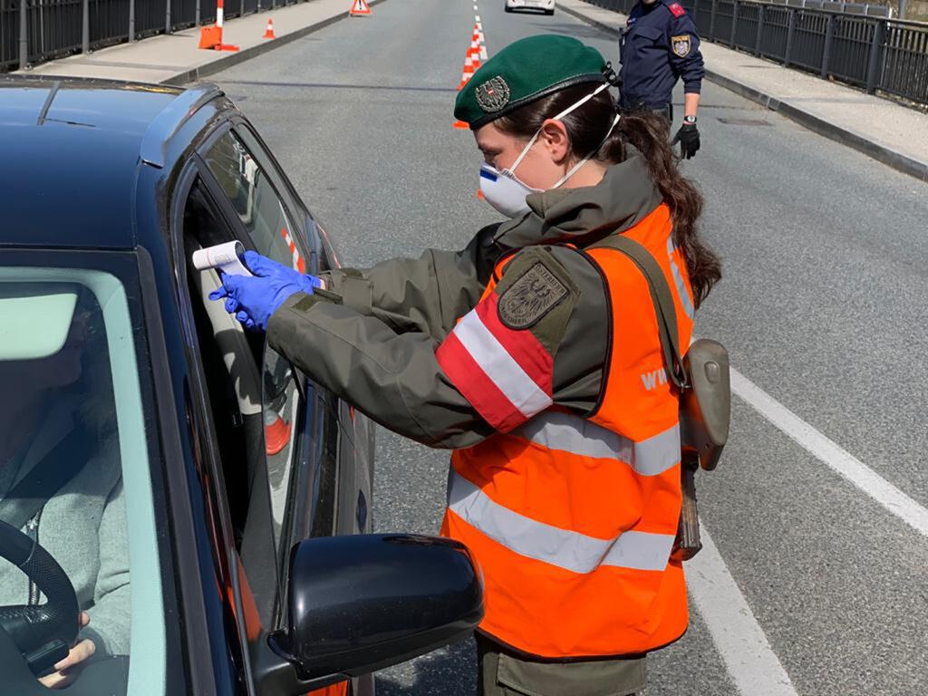 Soldatinnen des Bundesheeres beim Einsatz an Grenzübergängen. Foto: Bundesheer, Günther Meindl