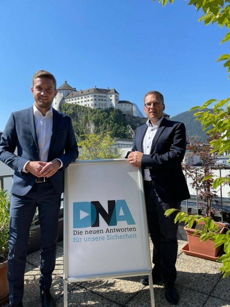 Dominik Mainusch, Obmann-Stv., und August Wöginger, Obmann des ÖAAB in Kufstein: ÖAAB arbeitet am Programm-Tag 2. Oktober; Foto: ÖAAB