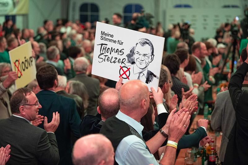 Unterstützer für Thomas Stelzer - Foto: OÖVP