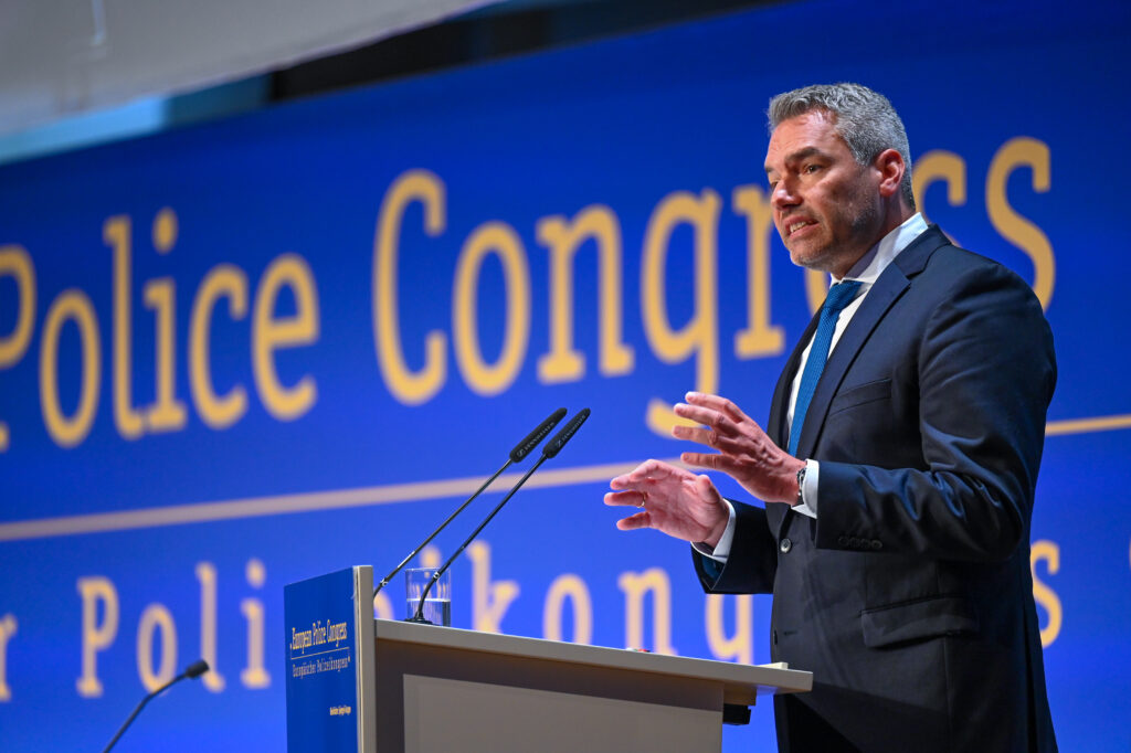 Innenminister Nehammer am europäischen Polizeikongress in Berlin - Foto (c) BMI Jürgen Makowecz