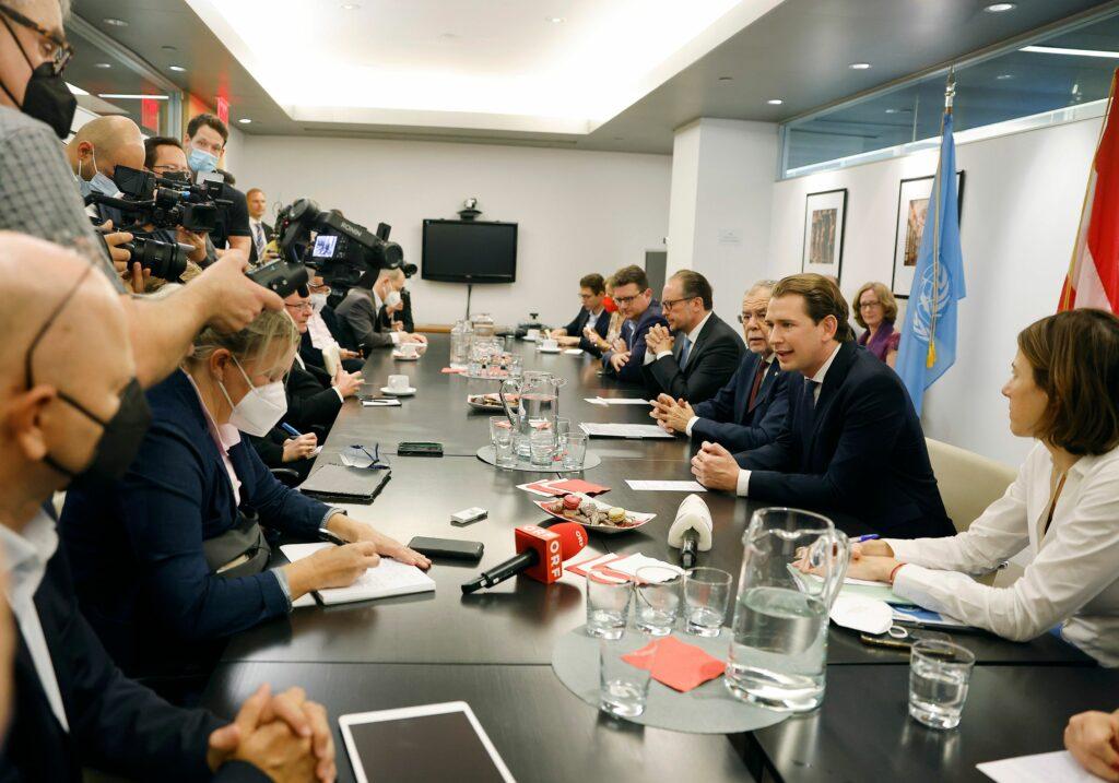 Bundeskanzler Sebastian Kurz bei einem Presse-Briefing in New York; Foto: BKA, Dragan Tatic