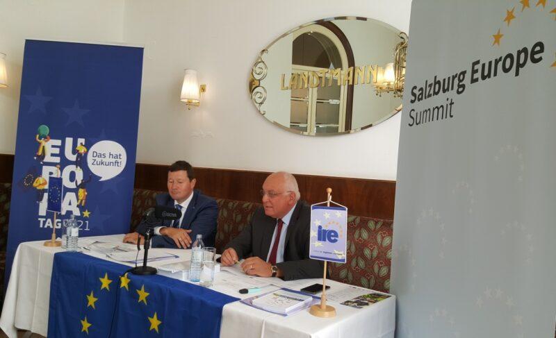 Franz Schausberger und Martin Selmayr bei der Vorstellung des diesjährigen Salzburg Europe Summit. Foto: IRE