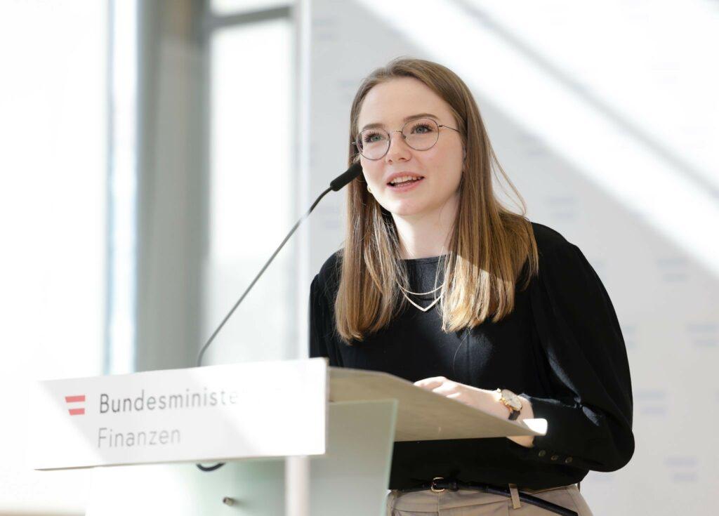 Bundesschulsprecherin Alexandra Bosek unterstützt die Teststrategie an Österreichs Schulen. Foto: BMF