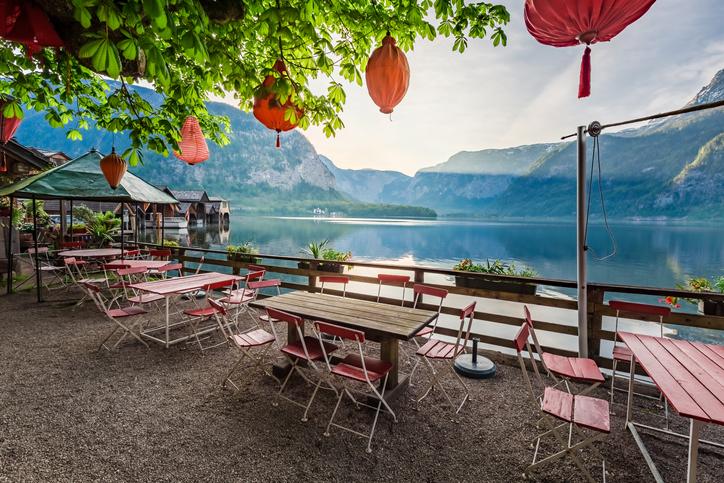Die Statistik Austria hat die Tourismus-Zahlen für die Sommersaison 2021 präsentiert. - Foto: iStock/Shaiith