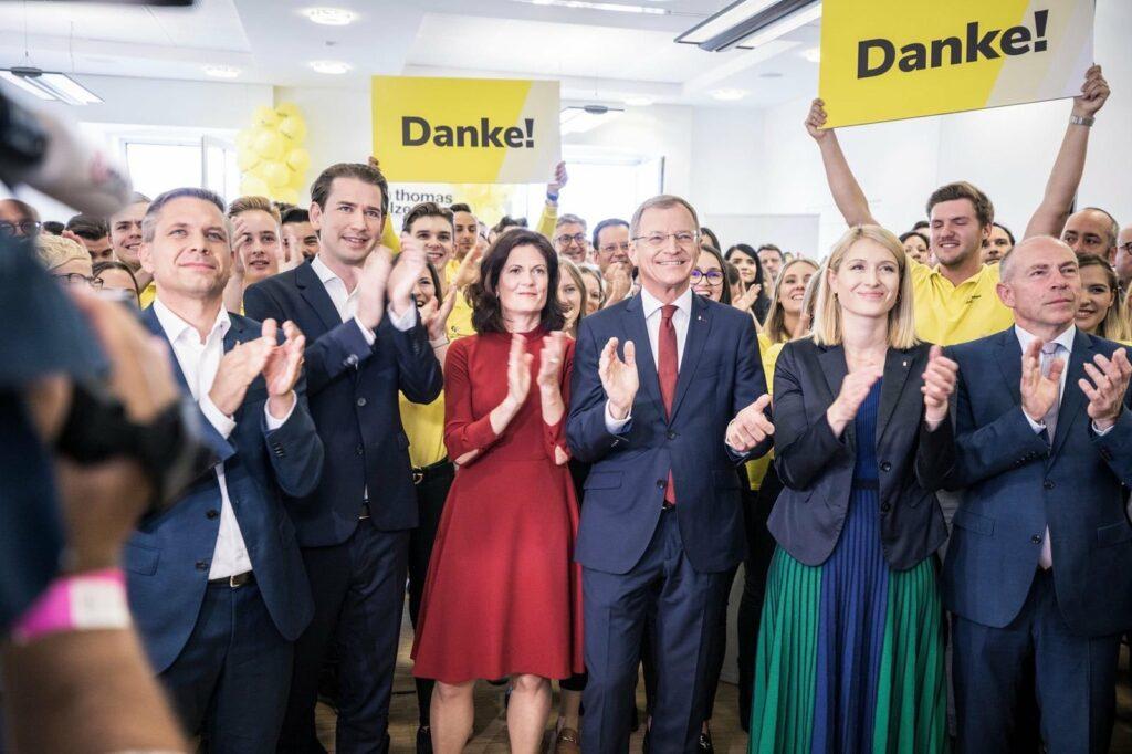 Hervorragende Stimmung nach der Verkündung des Wahlsiegs der ÖVP in Oberösterreich - Foto: OÖVP