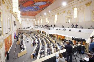 Budgetrede des Finanzministers: volles Hohes Haus im Ersatzquartier. Foto: Parlamentsdirektion / Thomas Topf